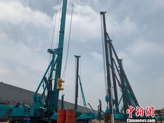 图为湖南企业生产的工程机械设备。 鲁毅 摄