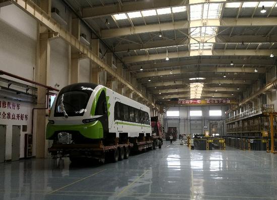 列车抵达长沙磁浮快线,准备提速测试。
