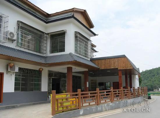 石燕湖村的民宿。(记者 方阳 摄)