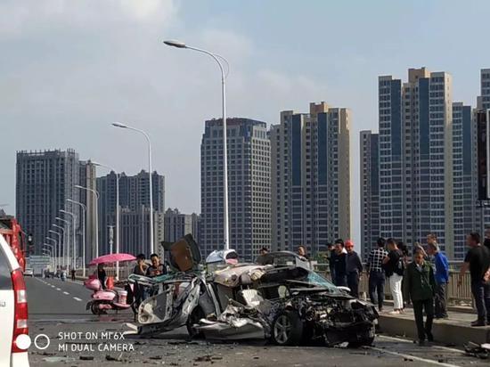 车祸现场。网友供图