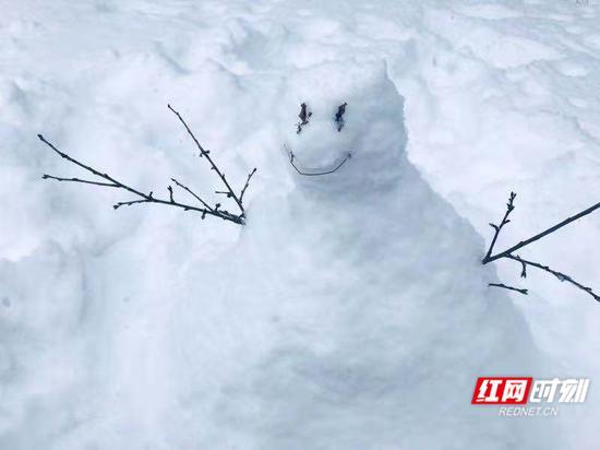 立冬,北方城市珲春的雪景。马迎 摄