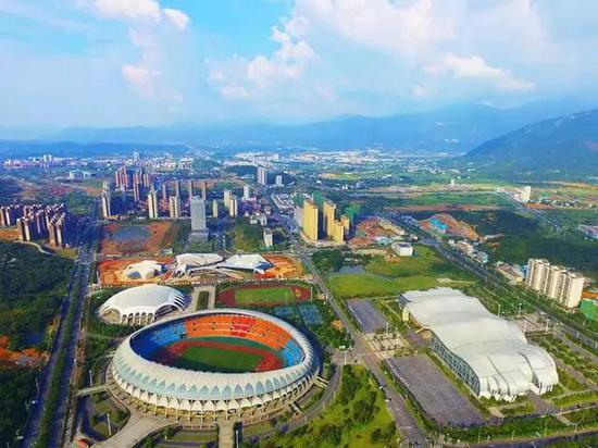 发生这样的巨变,源于郴州市、苏仙区两级政府的远见与明智决策。