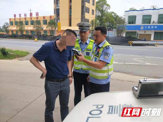 6月份查处各类道路交通违法行为126988起
