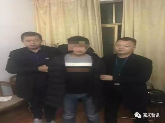 郴州一男子凌晨抢劫刺伤老妇 12