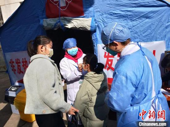 湖南各级政协组织和政协委员纷纷行动在一线防控防疫。 湖南省政协供图