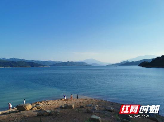 秀美的东江湖。