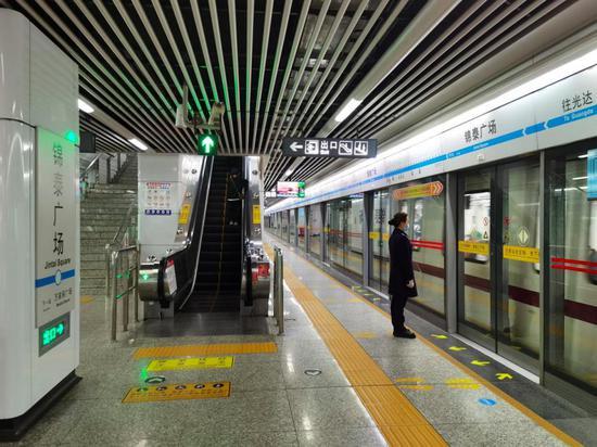 """应对""""五一""""出行高峰,长沙:增加列车,缩短发车间隔,8000"""