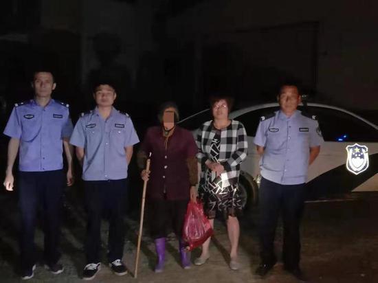 八旬老人走失,衡阳民警送上一顿热饭并送她回家