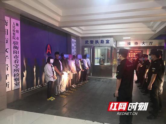雁峰民警转战千里,再度端掉一个涉诈窝点,刑事拘留12人,行政拘留2人。