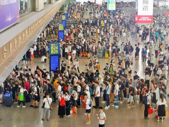 广铁中秋假期 3 天运送旅客 458 万人次
