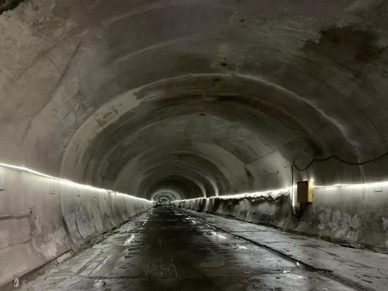 """长沙地铁 6 号线工程全线区间""""洞通"""""""