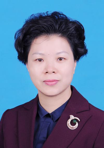 张迎春,女,汉族,湖南长沙县人,1970年11月出生。研究生,经济学硕士。