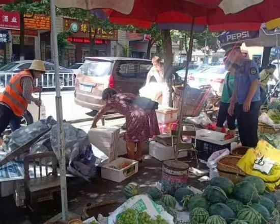 骆仙西路菜市场便民疏导点