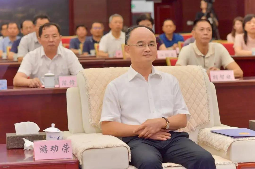 ▲湖北高院党组书记、院长游劝荣