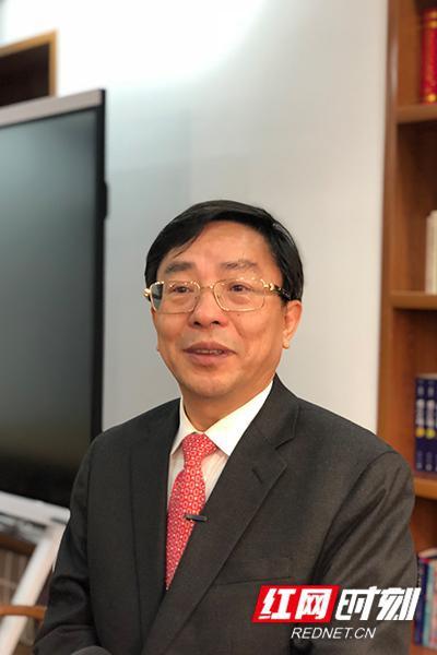 全国政协委员、湖南省政协副主席、民建湖南省委会主委赖明勇。