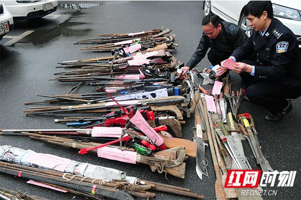 民警缴获的枪支。