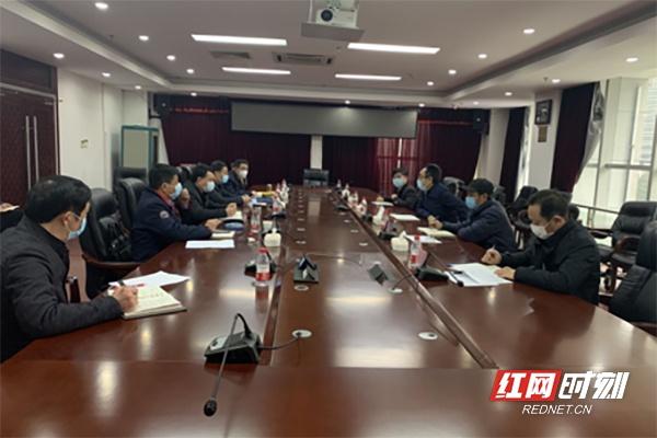 3月2日,湖南省药监局召开重点企业所在市州市场监管局工作会议,研究部署全省儿童口罩生产和质量安全监管工作。