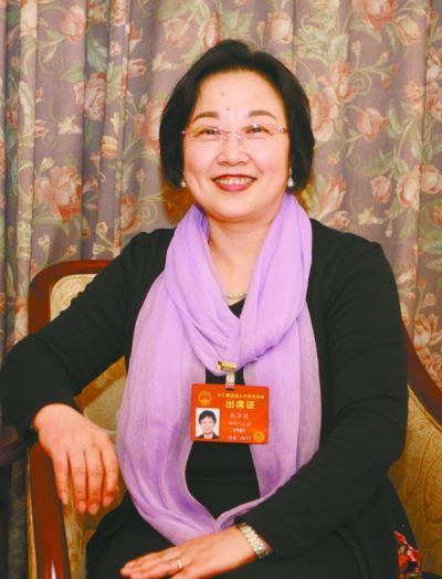 张苹英代表湖南日报记者 赵持 摄