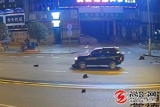 事故瞬间,肇事车辆推行电动车。石门交警供图