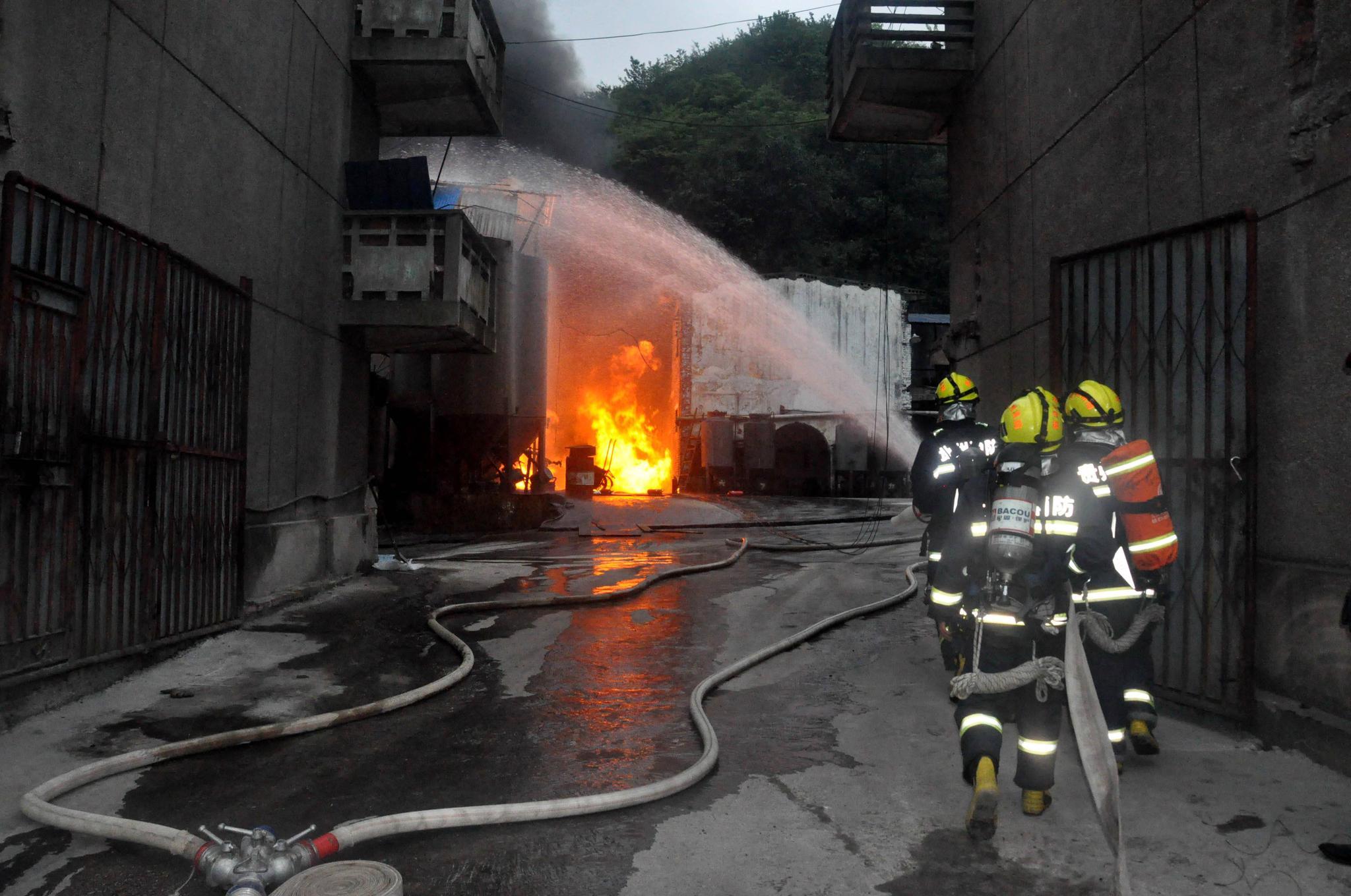 排查火灾隐患!郴州市消防部门走进街巷小区