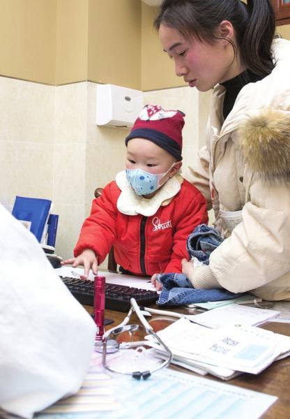 湖南持续低温,医院感冒患儿扎堆