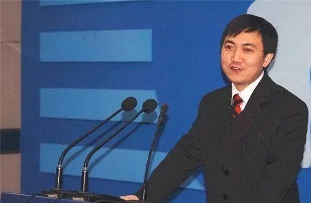 陈勇的父亲陈兴华是上世纪60年代的北大学子,母亲李享元是数学老师。