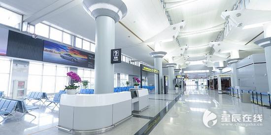 (2018年5月16日,黄花机场T1航站楼正式恢复使用,进入双航站楼双跑道运营时代。)