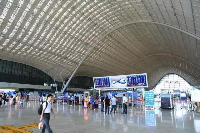 3 月 2 日广铁发送旅客 114 万人次