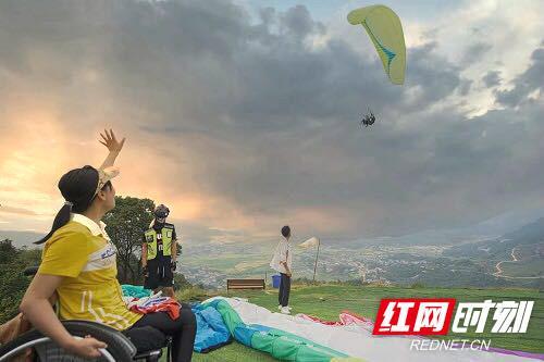"""长沙30名""""轮友""""体验人生中第一次飞翔"""