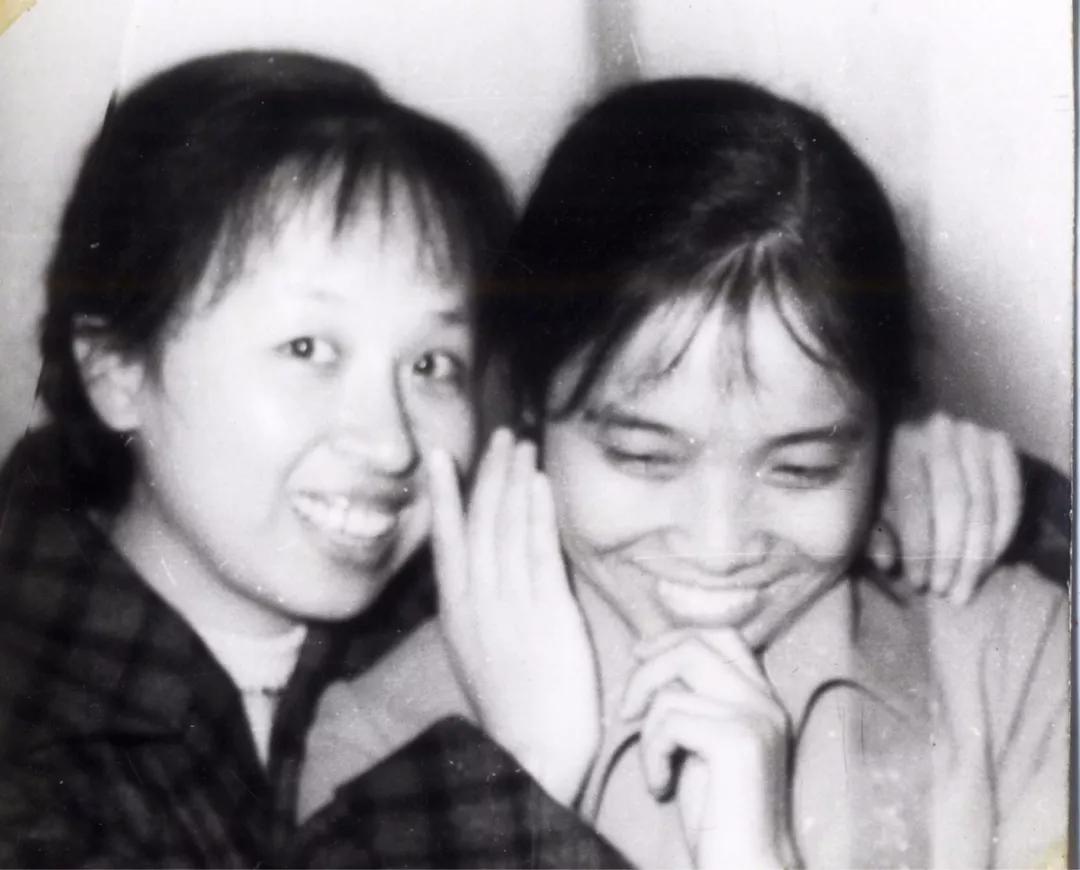 黄雪松(左一)和连建社(右一)