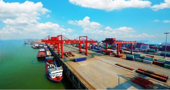 长沙新港。