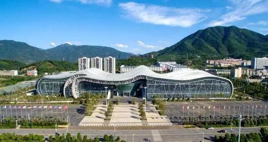 2015年10月22日,郴州市第一人民医院东院开工奠基。