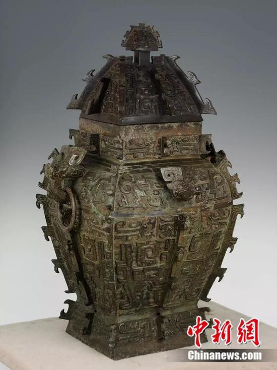 中国晚商青铜器鼎盛时期的代表之作——皿方罍。湖南省博物馆 供图