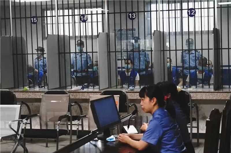 7月27日,岳塘区人民法院对周智勇黑社会组织案进行一审宣判,宣判现场。