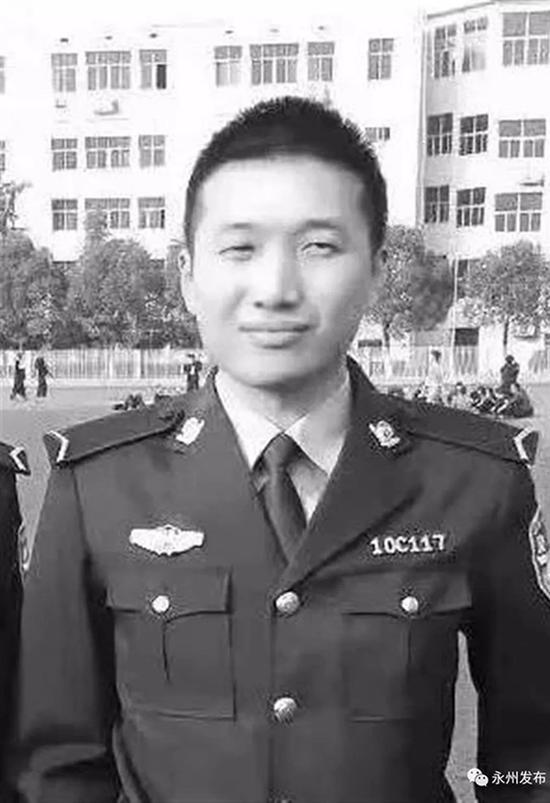 因公牺牲的27岁刑警唐志强