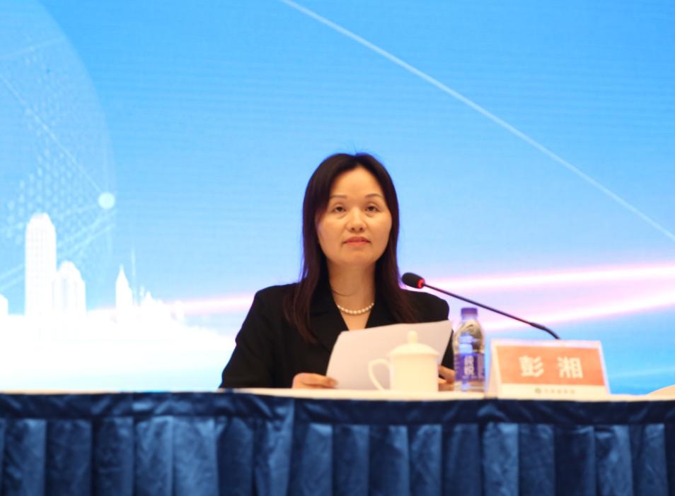 ▲万家丽集团副总经理彭湘女士致辞