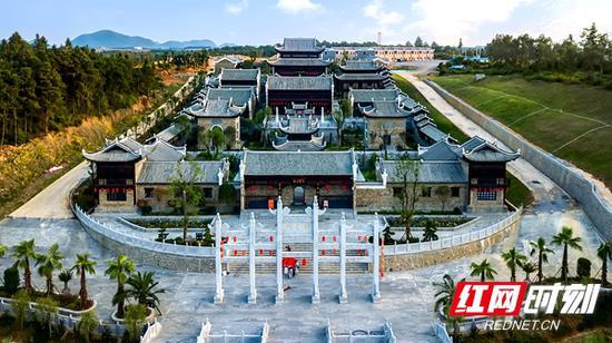 道县是理学家周敦颐的故乡。图为濂溪书院。