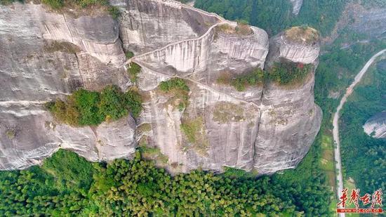 航拍崀山。图源:华声在线