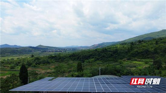 桂阳流峰光伏发电项目成为贫困户增收新亮点。