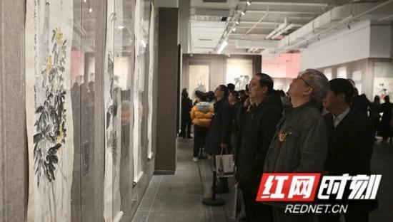 展览共展出了120幅中国近现代国画大师真迹。