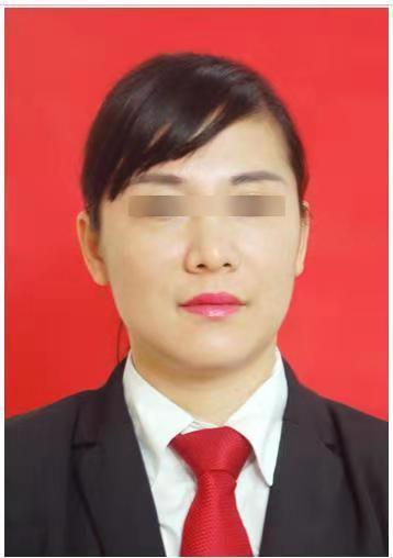 蒋敏在酒店任前台经理的工作照。 受访者 供图