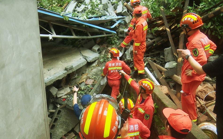 救援现场。 本文图片 受访者提供