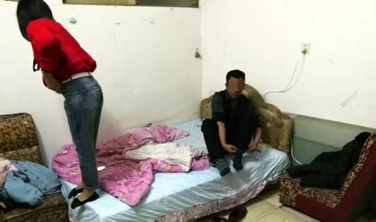 邵阳女子经营按摩店 介绍并容留他人卖淫嫖娼被刑拘