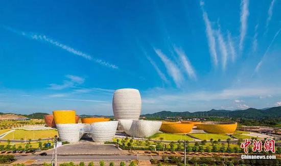 醴陵瓷谷——中国陶瓷行业规模最大的艺术建筑群。资料图