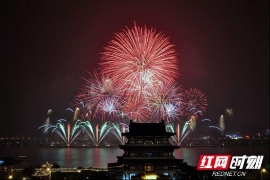 1月1日,长沙橘子洲头焰火将璀璨绽放,新年第一场焰火你想和谁去看?