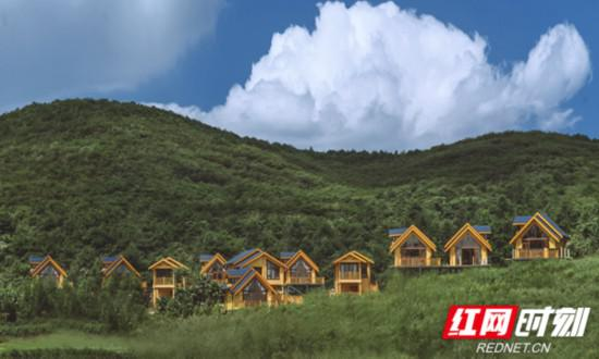 怀化市黄岩生态旅游区,图为心田木墅度假小镇。