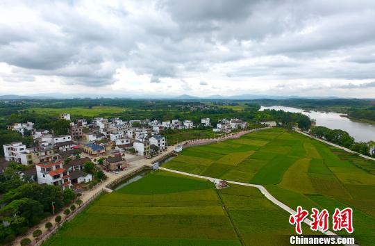 永州省级贫困村两河口脱贫后的新貌。永州供图