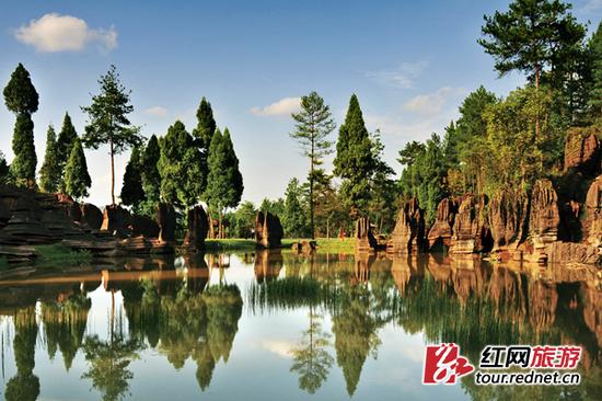 湘西地质公园-红石林国家地质公园。杨胜刚 摄