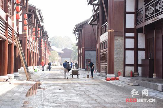 窑湾街道道路施工现场。