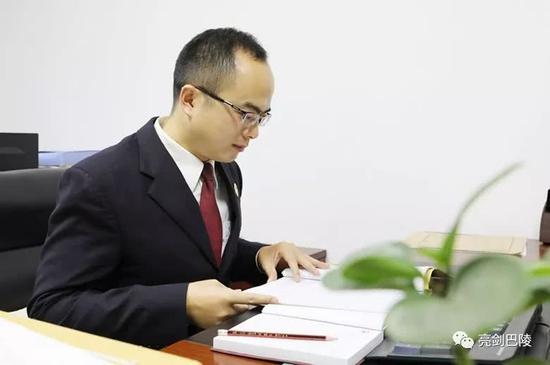 李壮检察官细致审查案卷,发现越来越多疑点浮出水面